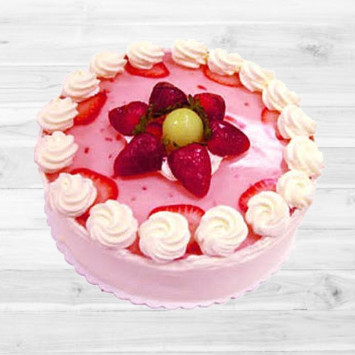 Relishing Strawberry Cake (1Lb)