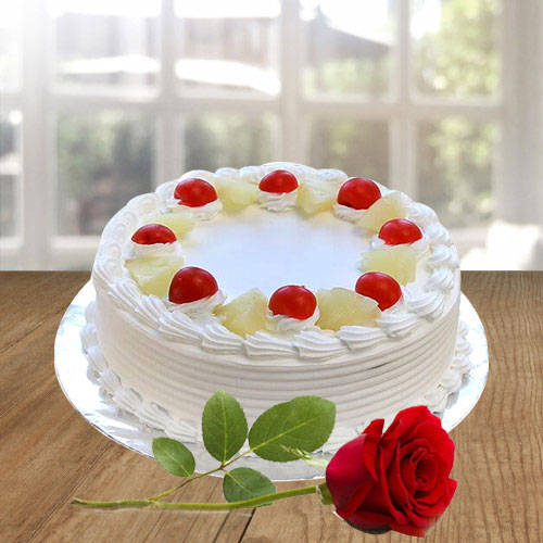 Finest Vanilla Cake and a Fresh Red Rose