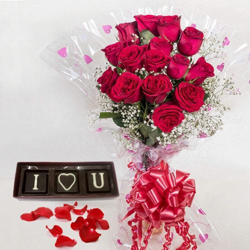 Fabulous V-day Gift Combo of Red Roses N I Love You Handmade Chocolates