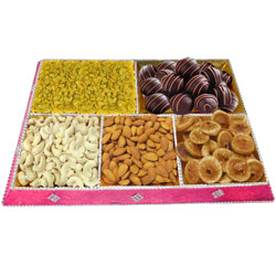 Exceptional Gift Tray of Mixed Dry Fruits with Handmade Chocolates