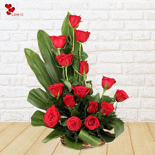 Book Online Dutch Roses Arrangemement in a Basket
