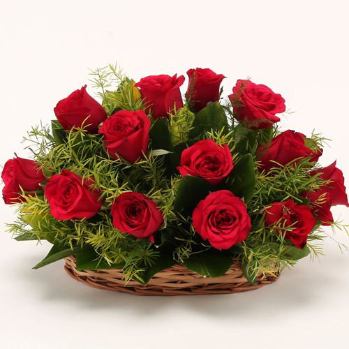 Book Rose Day Gift of Red Roses Basket