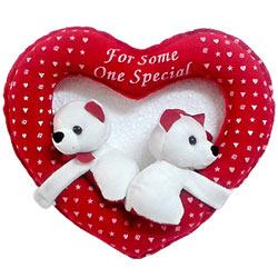 Lovely White Couple Teddy Bears in Heart