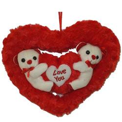 Smashing Couple Teddy in Heart with Warm Indulgence
