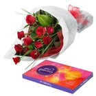 Delightful Cluster of Roses and Chocolates to Naroda