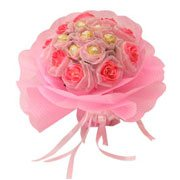 Delicate Affectionate Love with Ferrero Rochers Choco Pleasure with Pink Roses