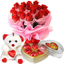 Cuddle Teddy with heart, Chocolates and Bouquet of Red Roses