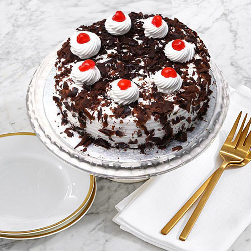 Deliver Online Black Forest Cake from Taj or 5 Star Bakery