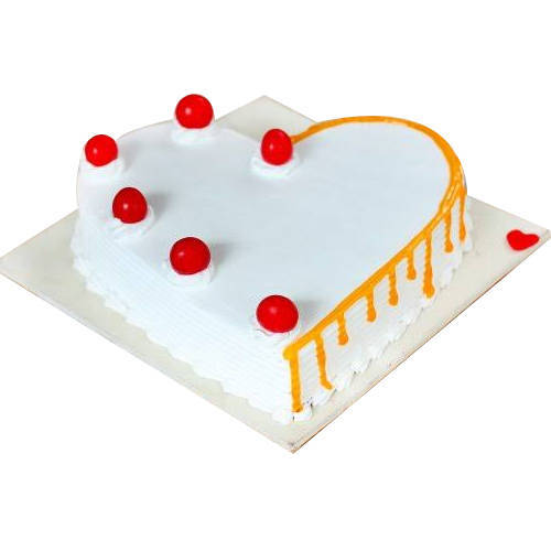 Online Deliver Vanilla Cake in Heart Shape