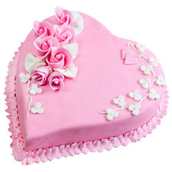Order Strawberry Cake in Heart-Shape Online