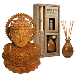 Handsome Presentation of New Year Gift Items