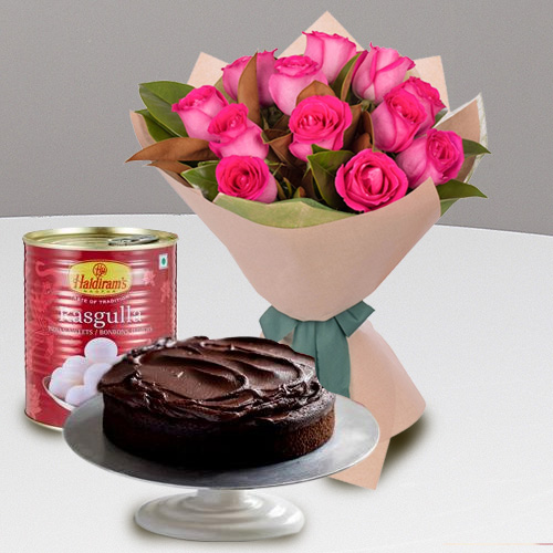 Online Eggless Cake with Red Roses n Haldiram Rasgulla