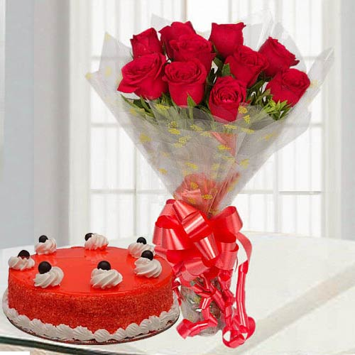 Online Gift Red Roses Bouquet with Red Velvet Cake