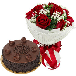 Send Red Roses Bouquet N Chocolate Cake Online