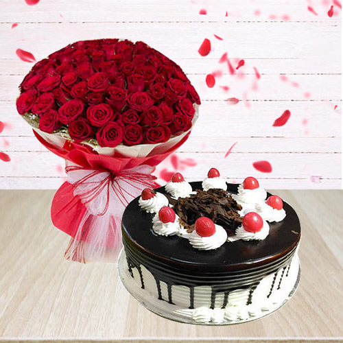 Book Arrangement of Red Roses N Black Forest Cake Online