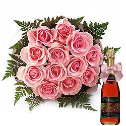 Buy Bouquet of Pink Roses n a Bottle of Fruit Juice Online