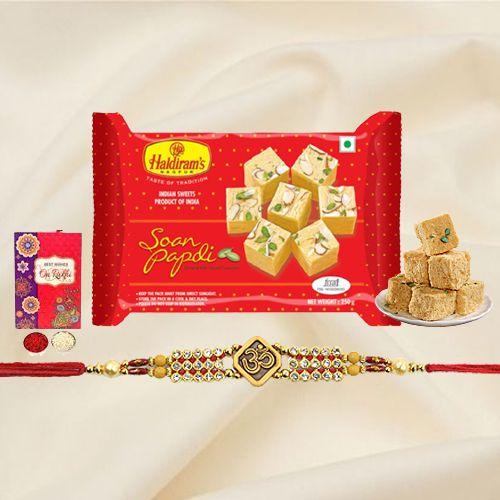 Spectacular <font color=#FF0000>Haldiram</font>'s Soan Papri with a Splendid Rakhi