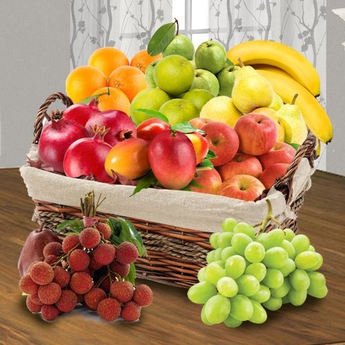 Fresh Fruits Basket for your Moms Health