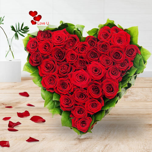 Deliver V-Day Gift of Red Roses Heart Bouquet