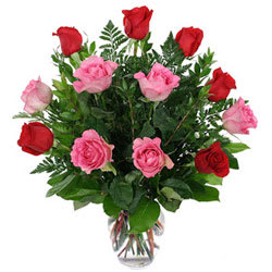 Order Mixed Roses in Glass Vase Online