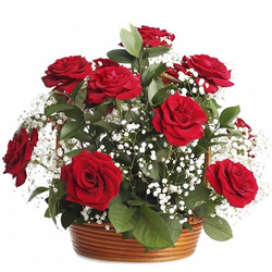 Online Delivery of Red Roses Arrangement